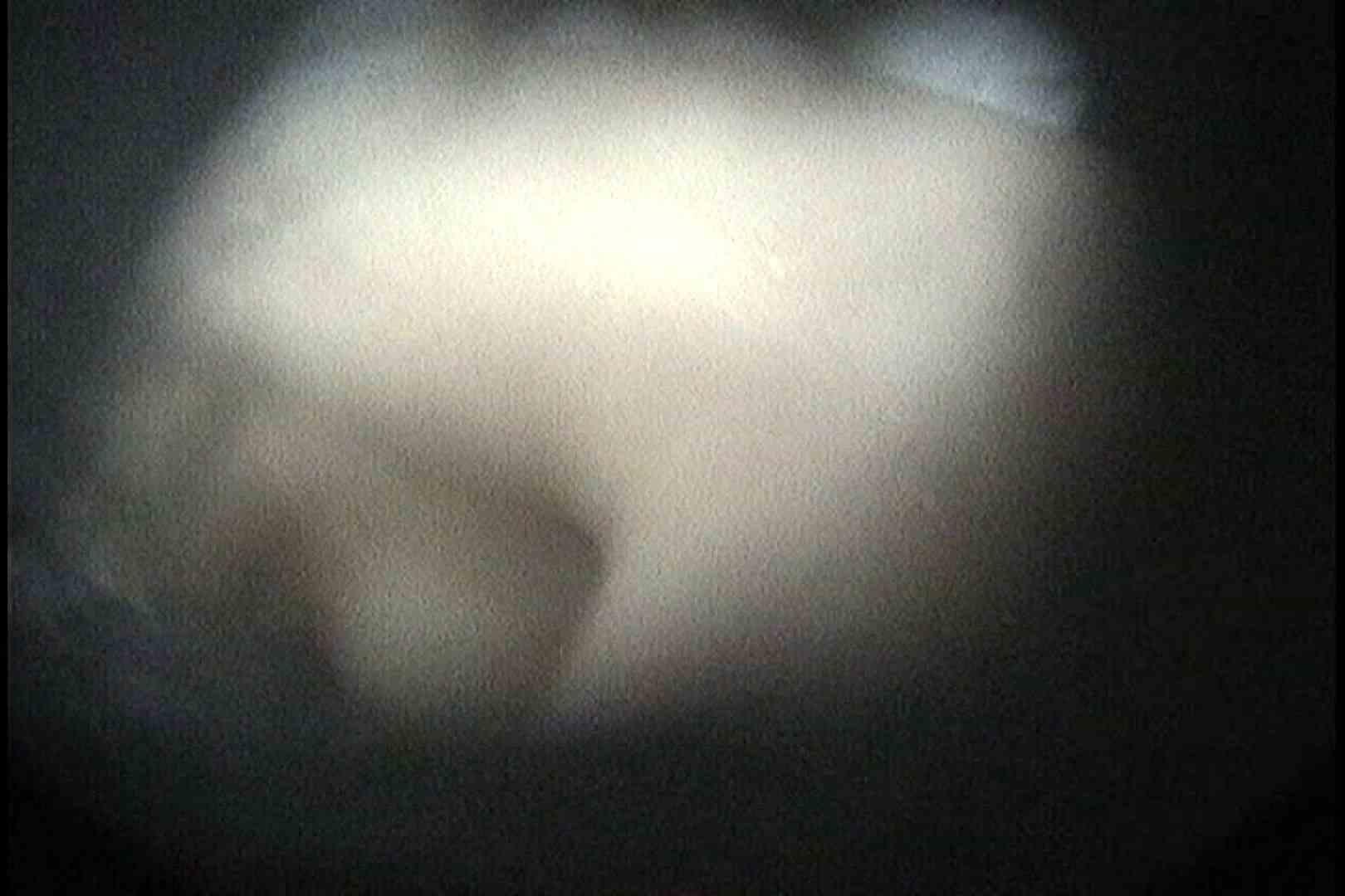 盗撮AV:No.18 小さい割にはたれ気味の乳房:怪盗ジョーカー
