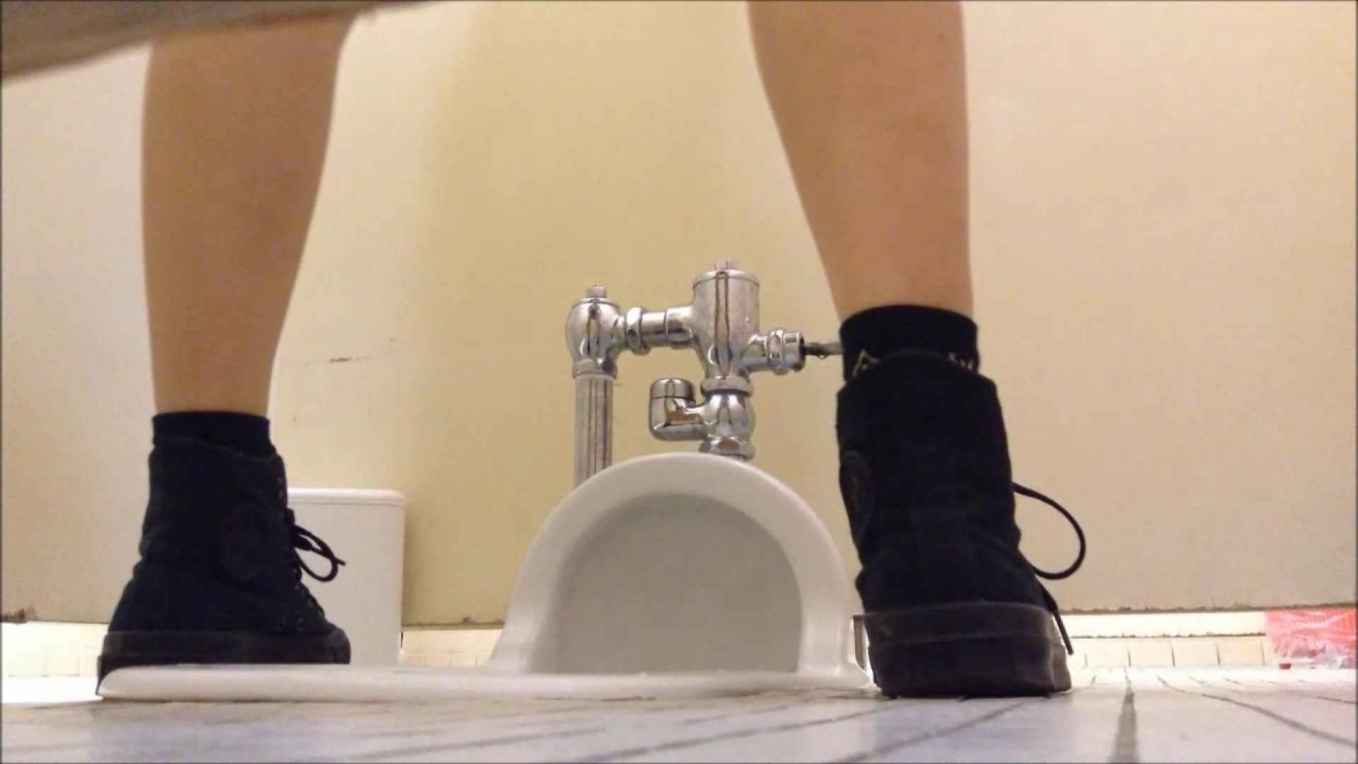 某有名大学女性洗面所 vol.02 和式 性交動画流出 90枚 23