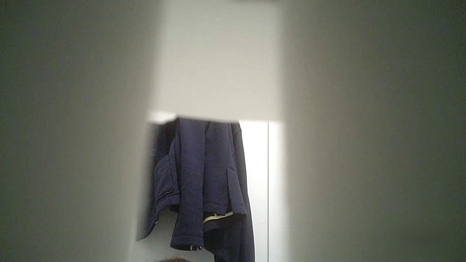 有名大学女性洗面所 vol.37 ついでにアンダーヘアーの状態確認ですね。 投稿  101枚 30