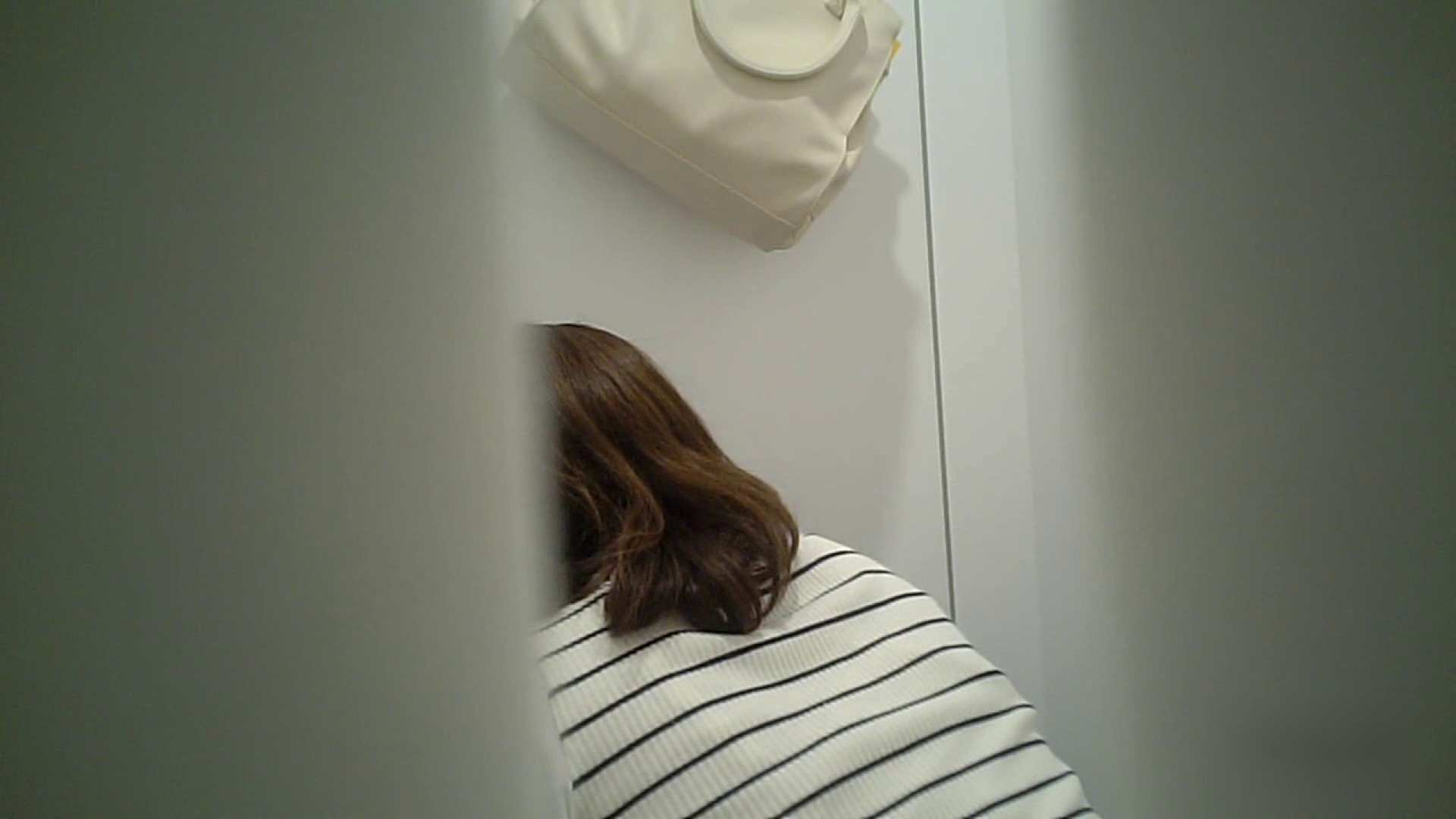 有名大学女性洗面所 vol.37 ついでにアンダーヘアーの状態確認ですね。 投稿 | 綺麗なOLたち  101枚 96
