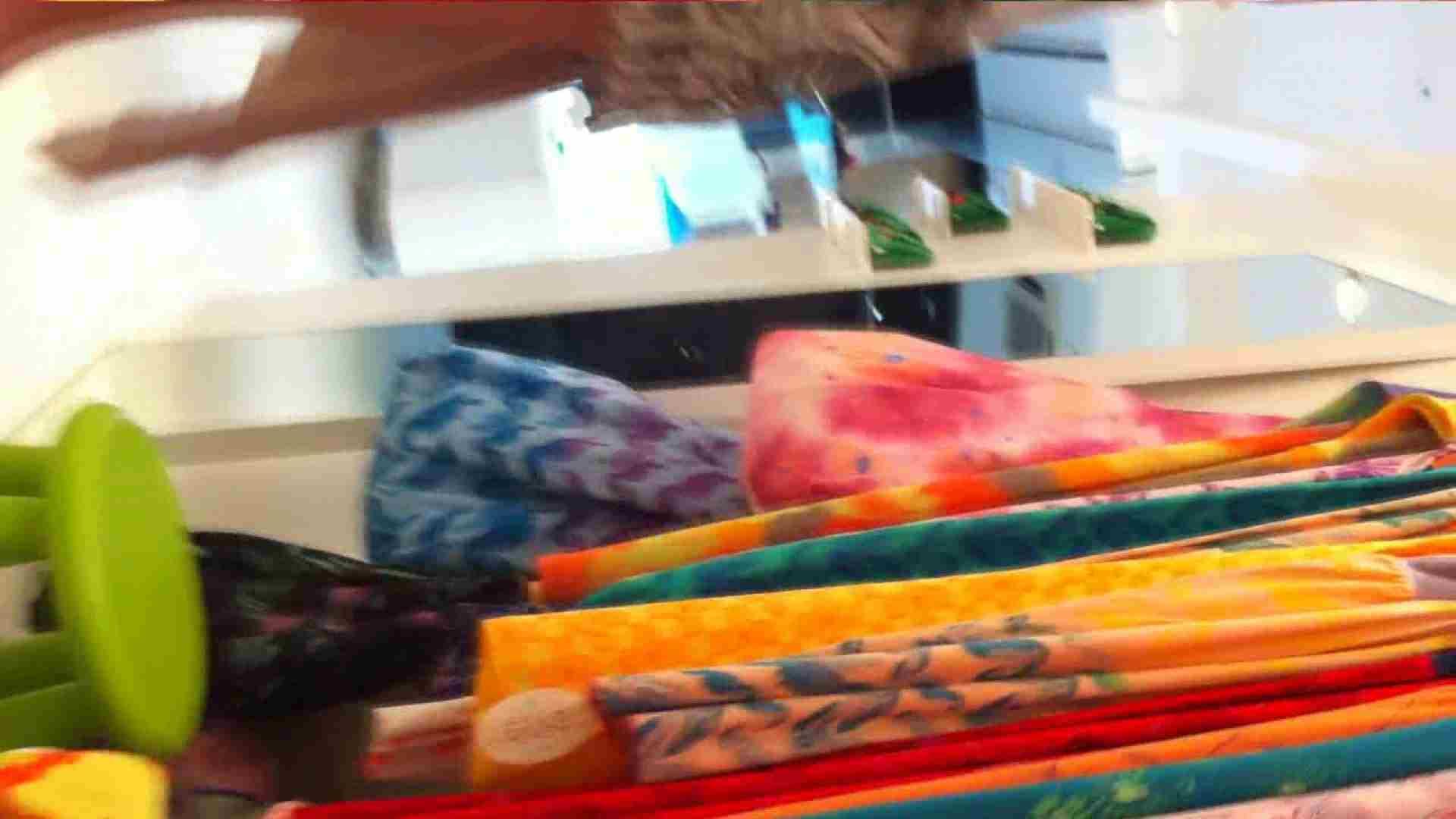 可愛いカリスマ店員限定‼胸チラ&パンチラ vol.03 接写 のぞき動画画像 72枚 9