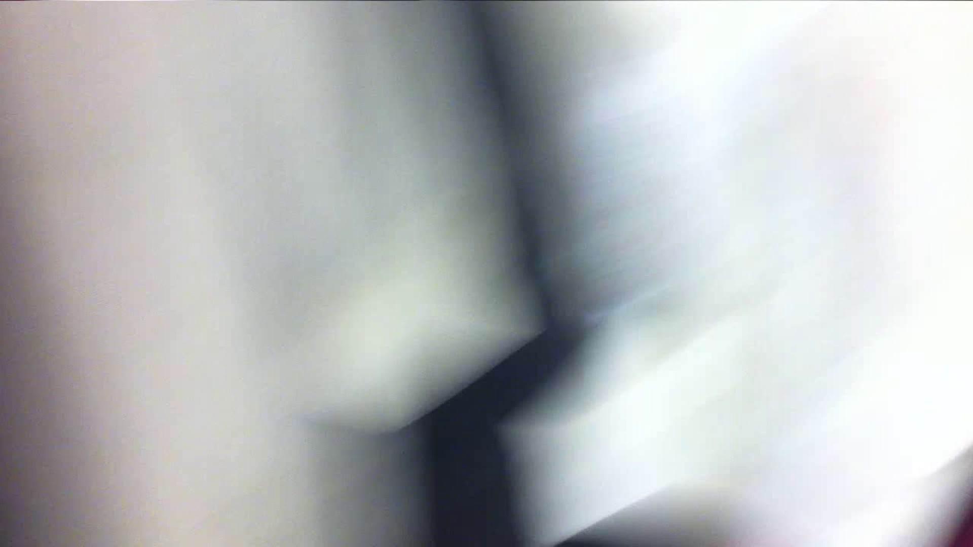 vol.33 美人アパレル胸チラ&パンチラ ギャル系ネーチャンの下着 接写 ワレメ動画紹介 53枚 4