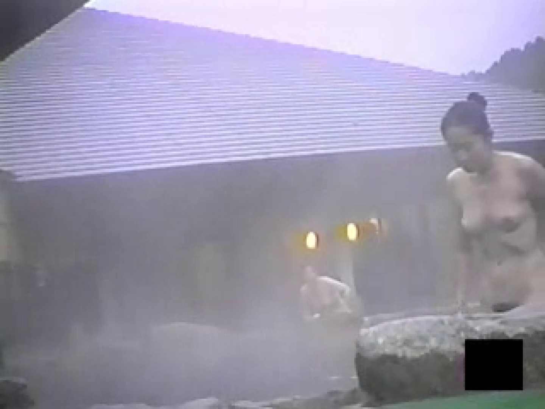 女体舞う露天風呂第一章 第四節 入浴 スケベ動画紹介 95枚 33