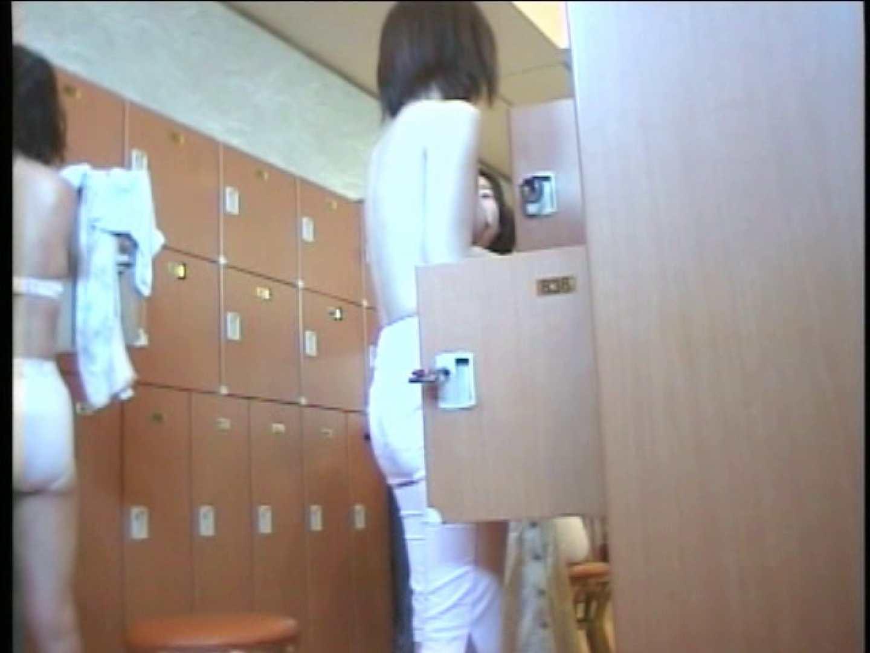 浴場潜入脱衣の瞬間!第三弾 vol.4 接写 のぞき動画画像 91枚 41