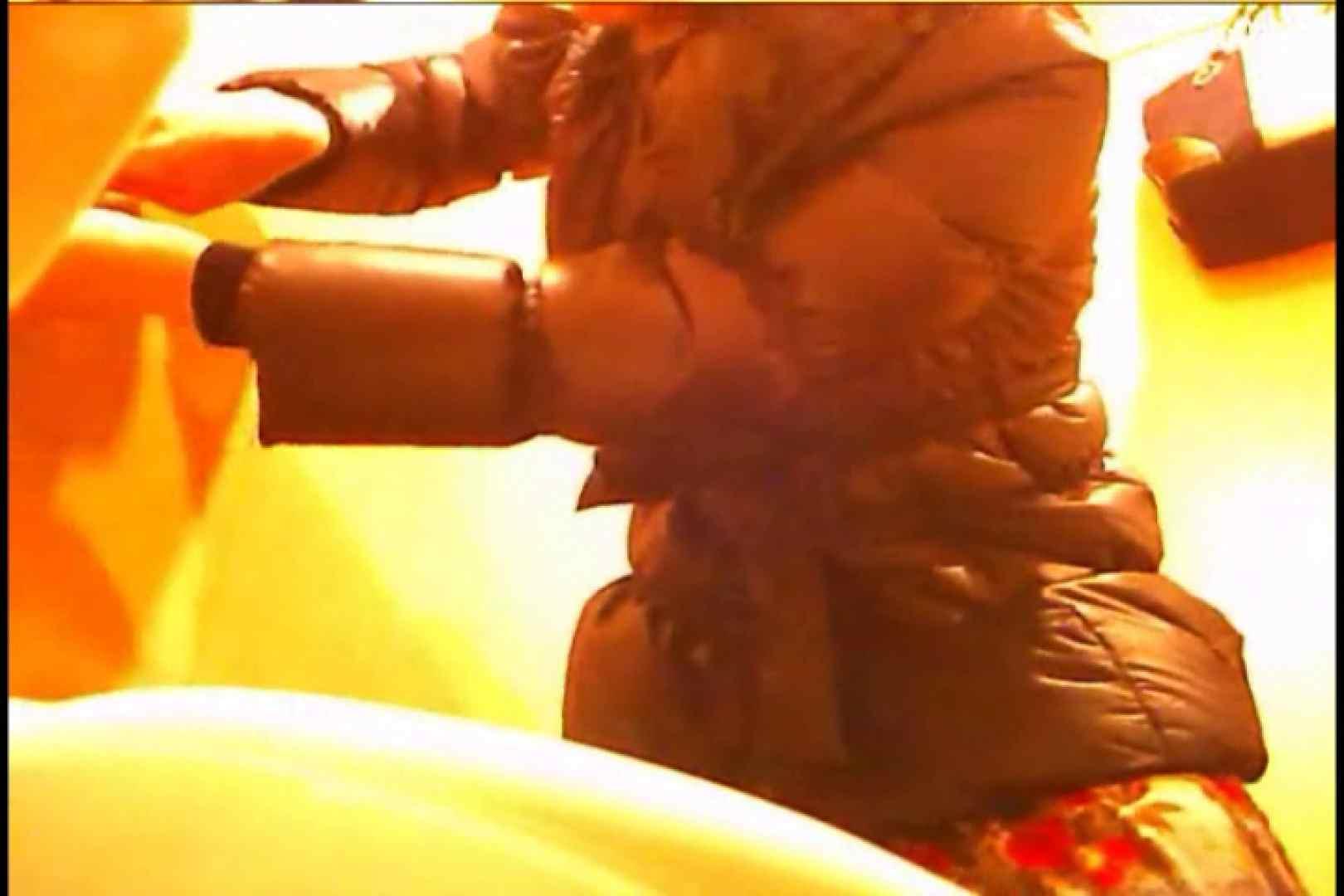 潜入!!女子化粧室盗撮~絶対見られたくない時間~vo,11 潜入 オマンコ動画キャプチャ 80枚 62