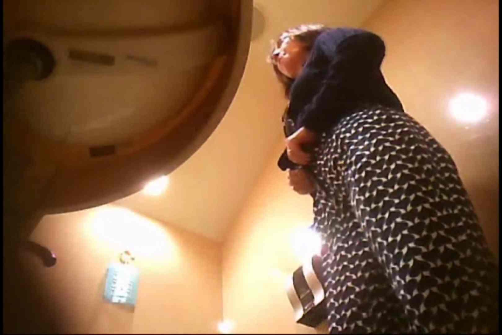 潜入!!女子化粧室盗撮~絶対見られたくない時間~vo,123 お尻 オメコ無修正動画無料 80枚 46