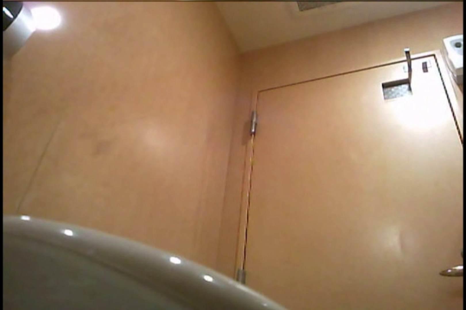 潜入!!女子化粧室盗撮~絶対見られたくない時間~vo,71 潜入 のぞき動画画像 64枚 32