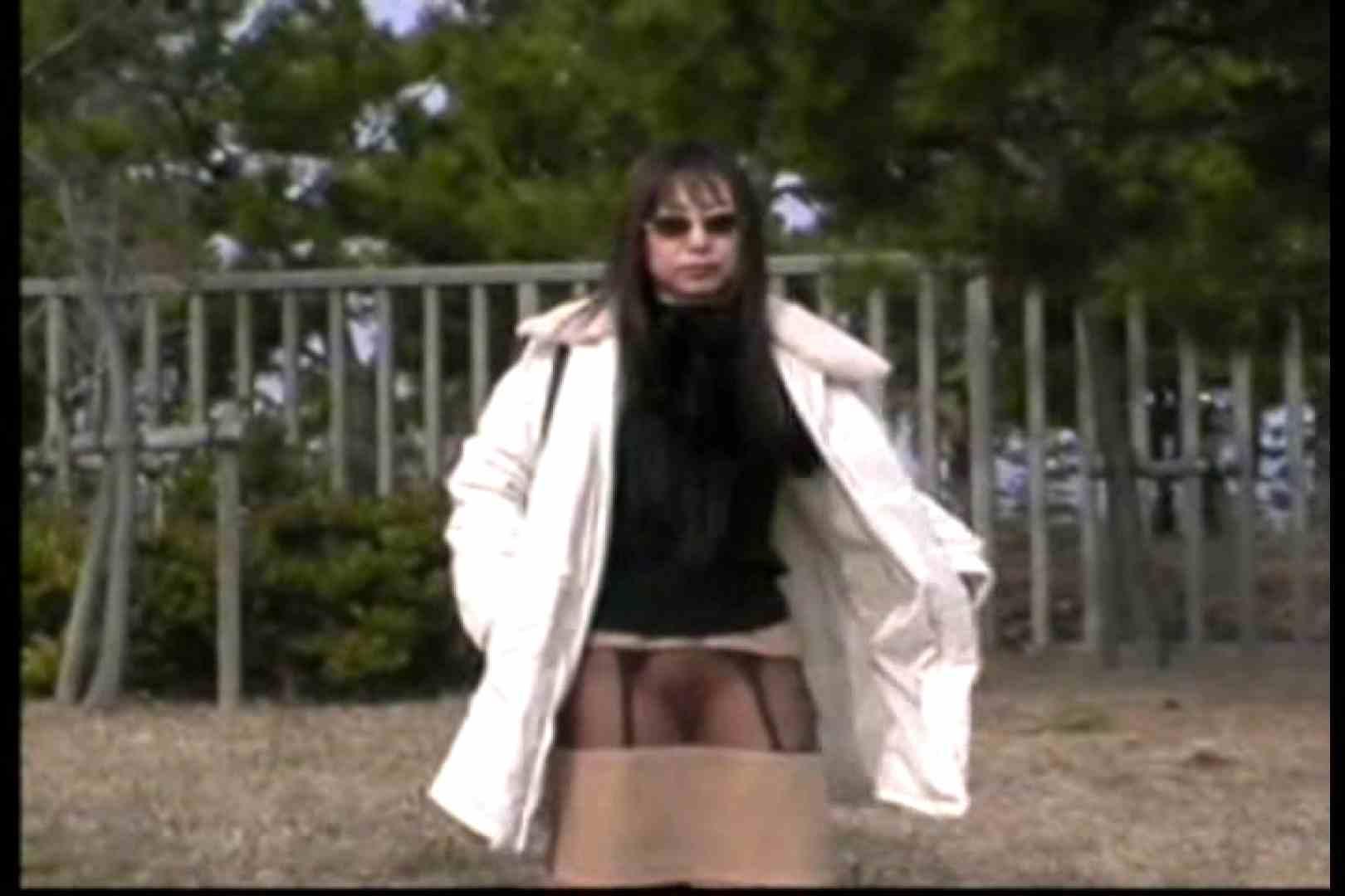 美熟女の野外露出プレイ 野外 濡れ場動画紹介 54枚 24