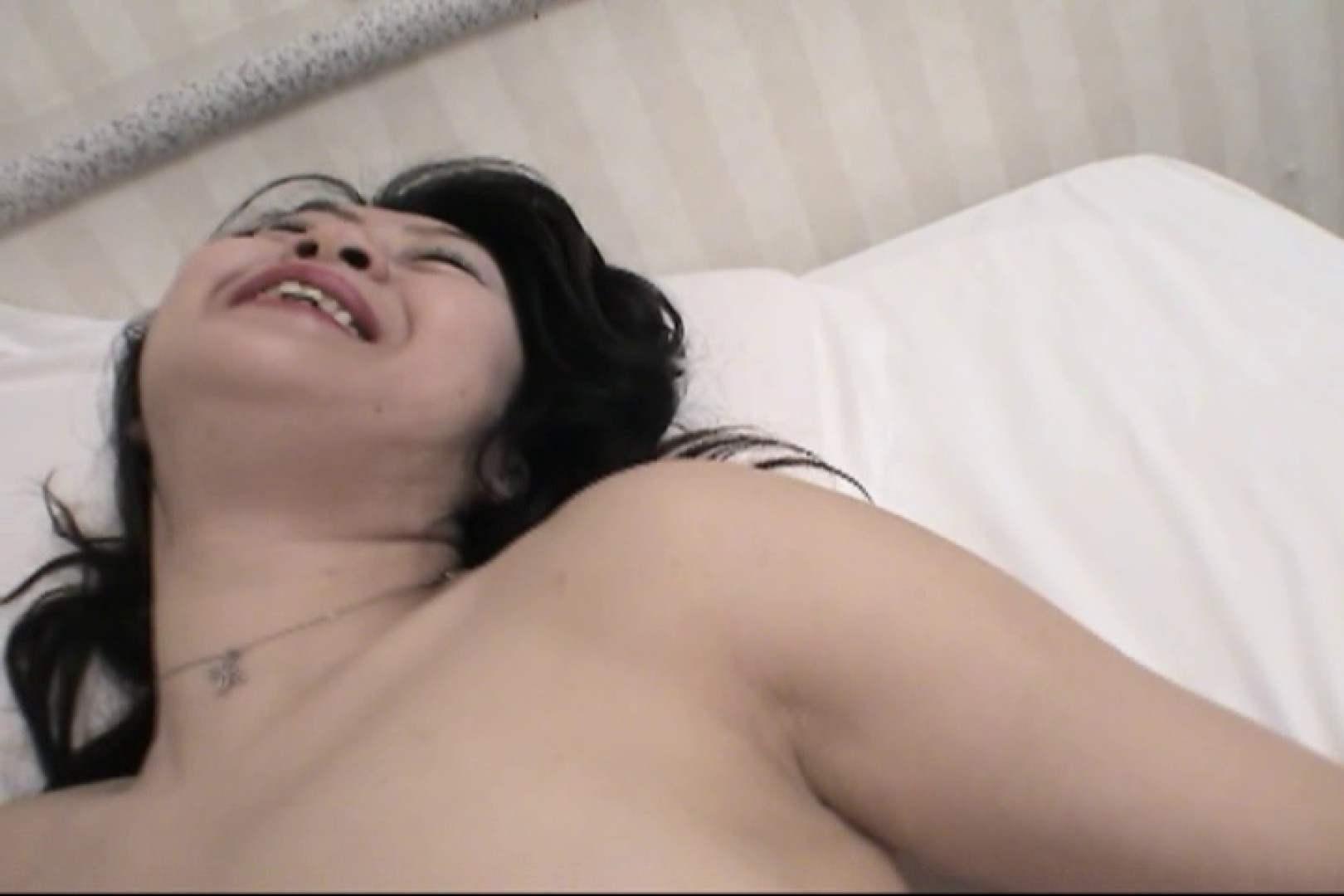 四十路の熟れた体が男を欲しがる~山川としえ~ ローター 盗撮動画紹介 85枚 74