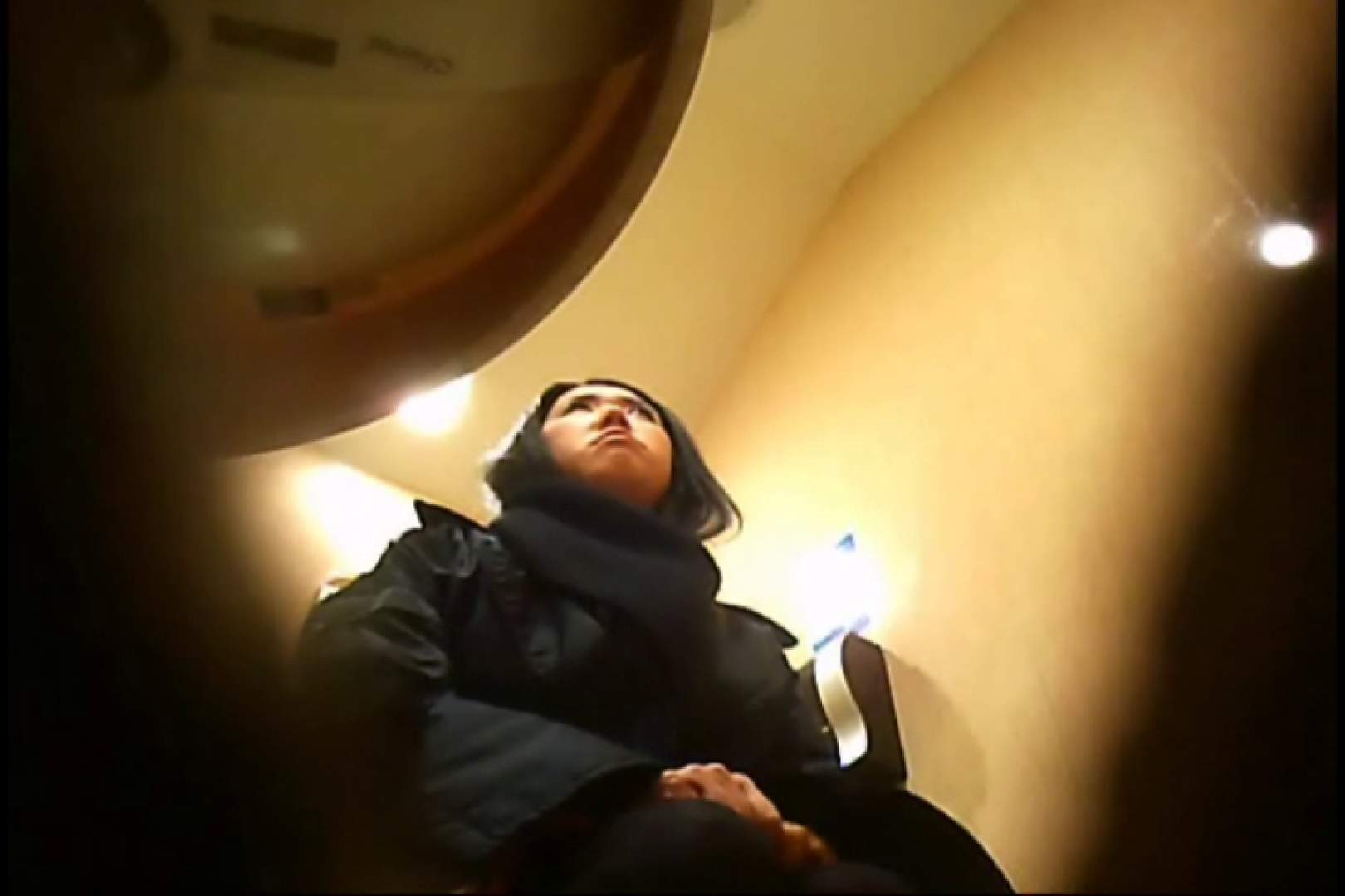 潜入!!女子化粧室盗撮~絶対見られたくない時間~vo,13 お色気熟女 オメコ無修正動画無料 90枚 19