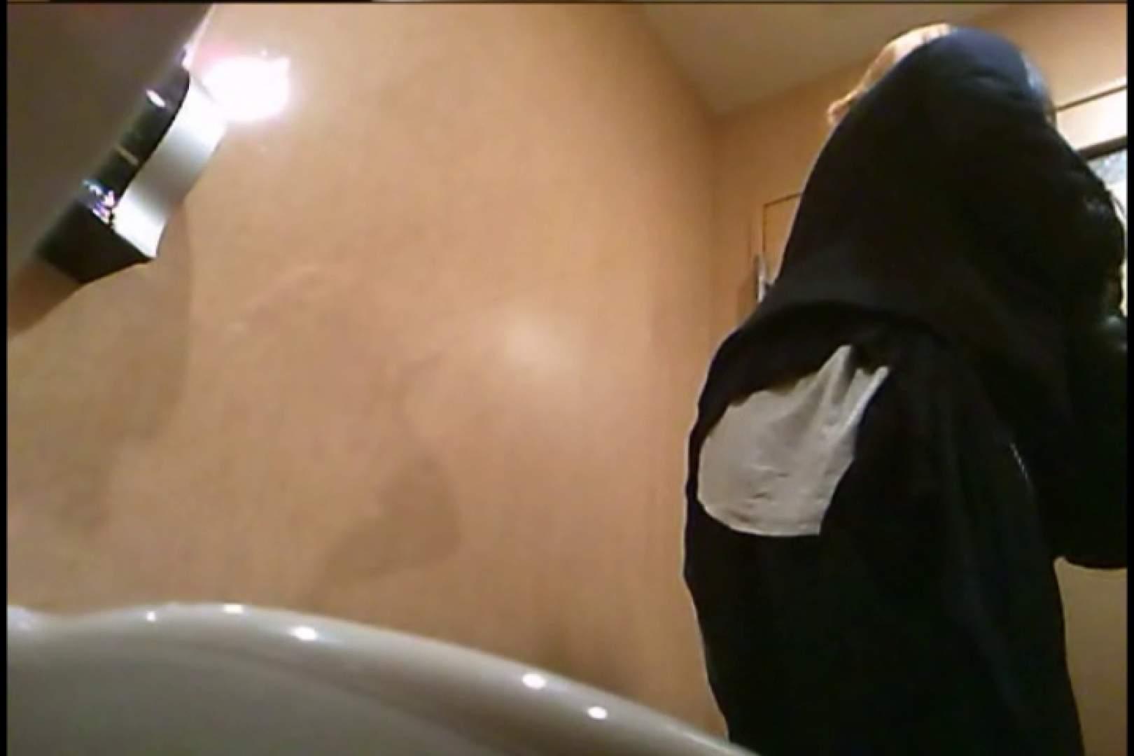 潜入!!女子化粧室盗撮~絶対見られたくない時間~vo,13 超エロお姉さん  90枚 85