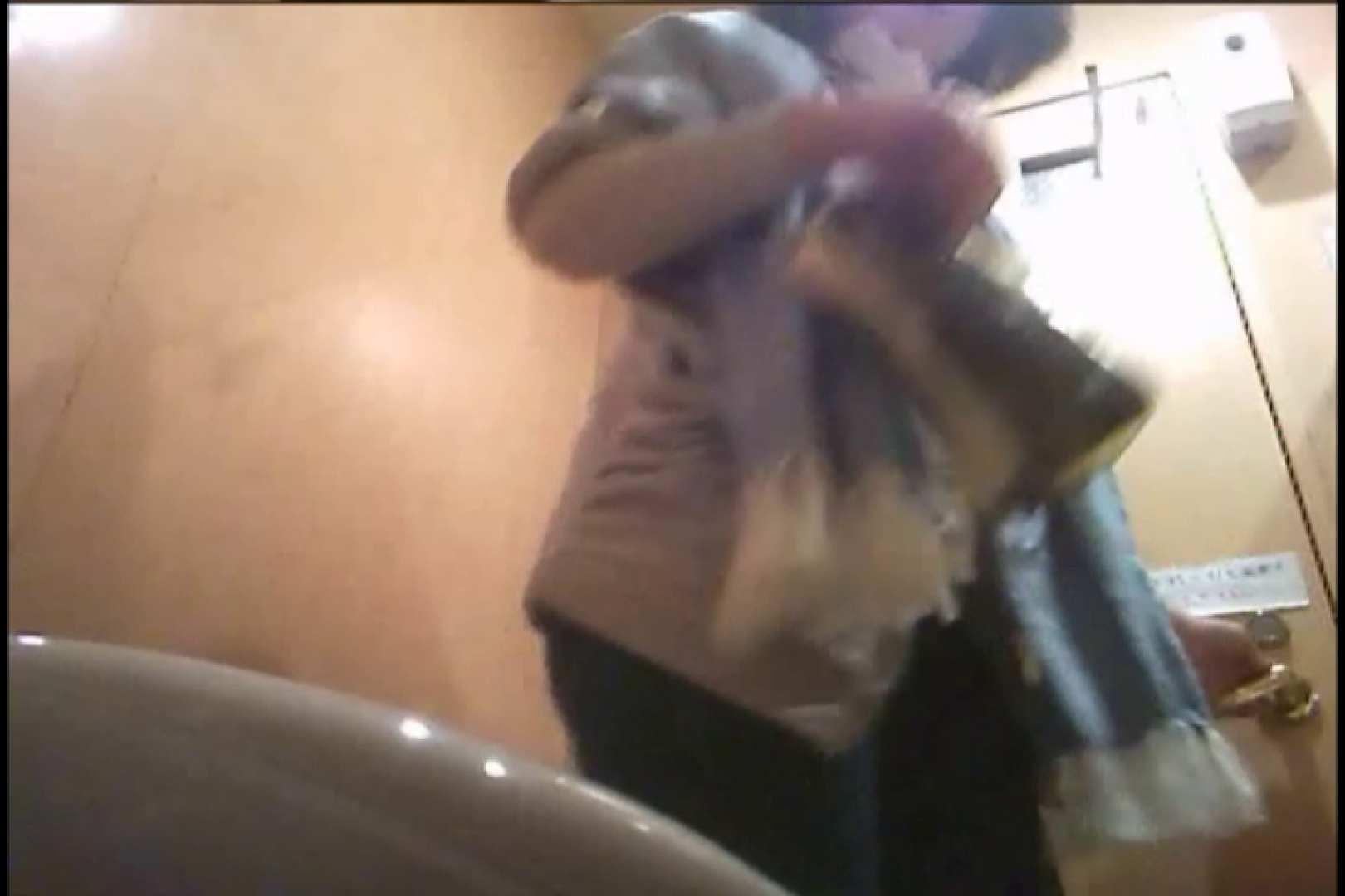 潜入!!女子化粧室盗撮~絶対見られたくない時間~vo,24 超エロお姉さん   潜入  68枚 31