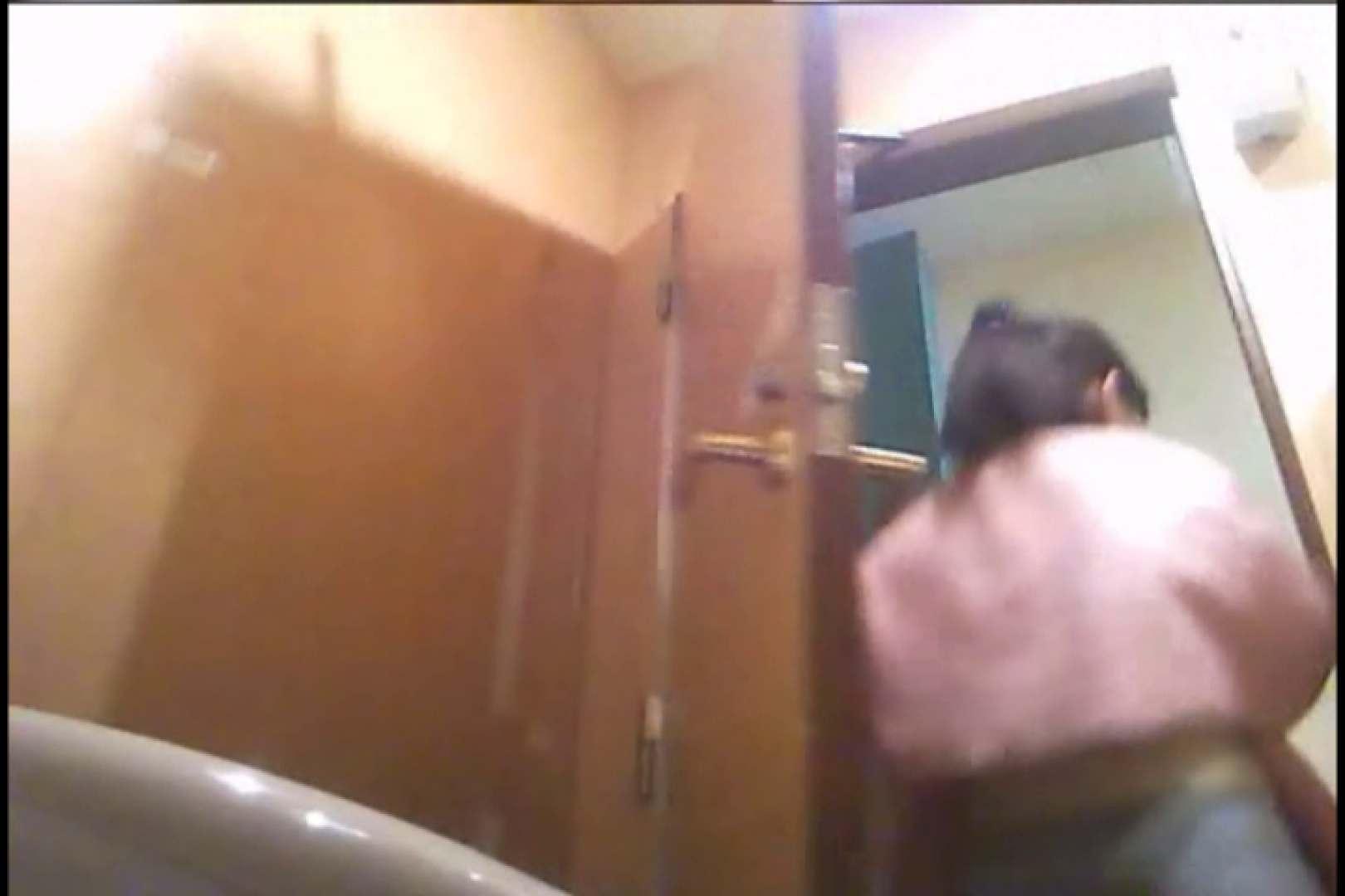 潜入!!女子化粧室盗撮~絶対見られたくない時間~vo,24 超エロお姉さん   潜入  68枚 49